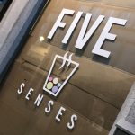 Five senses - lettrage vitrine